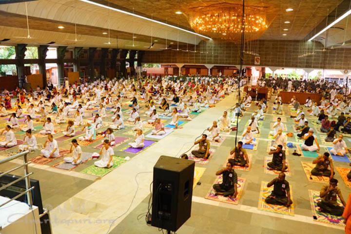 16-yoga-15