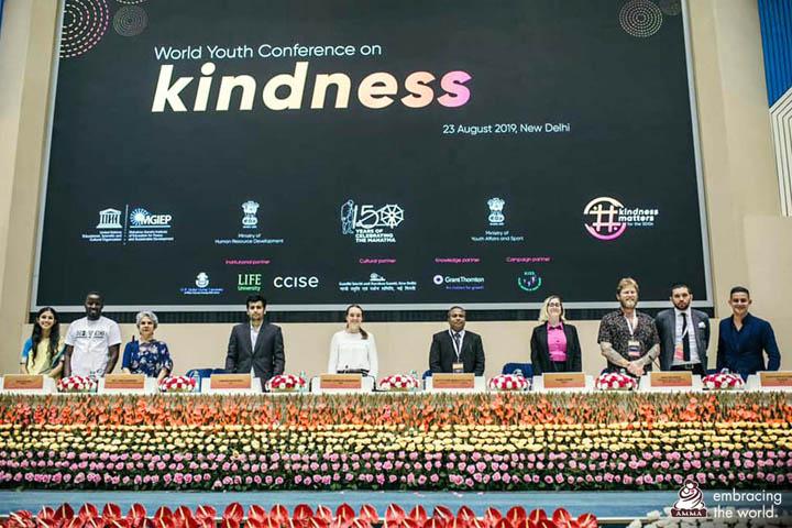 Des membres de la conférence ont participé à des ateliers de formation « compassion et intégrité », sur le thème de la gentillesse et de la prévention des extrémismes violents
